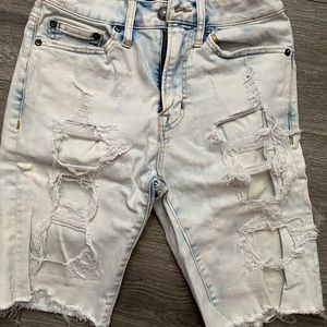 Ripped slim shorts